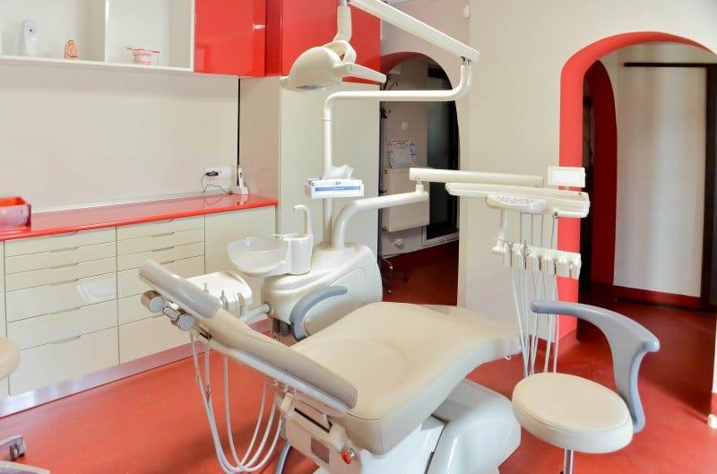 stomatolog non-stop